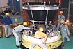 M-V-4号機ロケット制御部のチェック(内之浦/宇宙科学研究所鹿児島宇宙空間観測所)