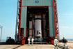 M-V-6号機の2段吊り込み風景(JAXA内之浦宇宙空間観測所)